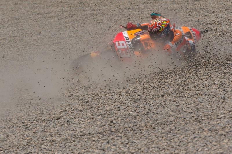 Marquez crashing out at Catalunya - from Assen TT article