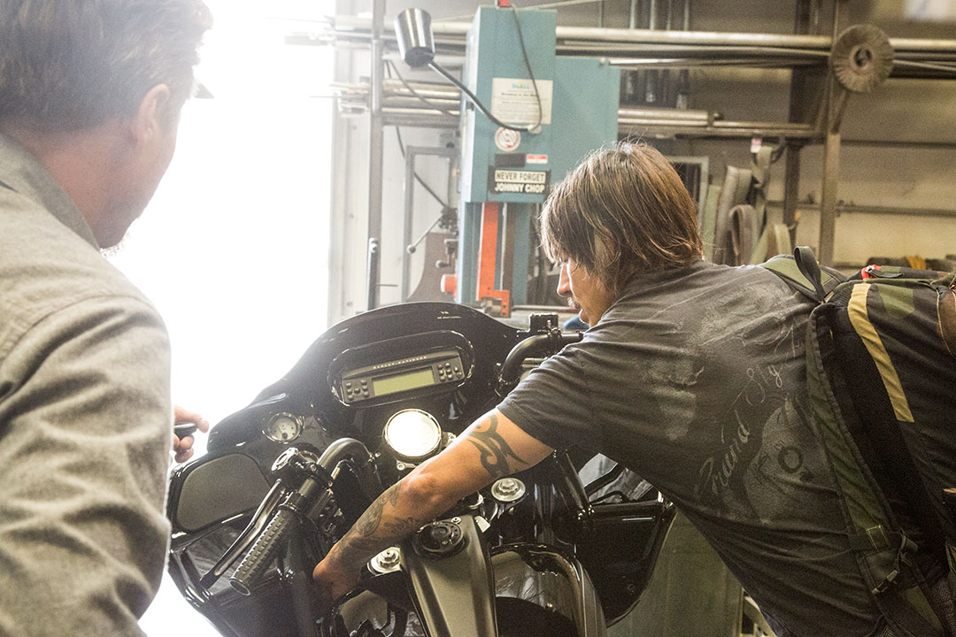 anthony-kiedis-roadglide_16